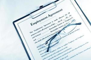 contrat d'embauche