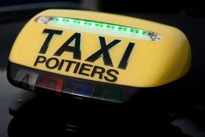 signe de taxi photo
