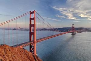 Golden gate bridge dans la ville de san francisco photo
