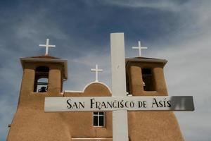 Église missionnaire San Francisco de Asis au Nouveau-Mexique photo