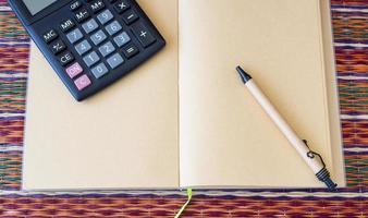 calculatrice au concept d'entreprise. photo