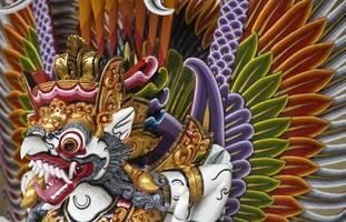 une illustration de garuda de la mythologie hindoue photo