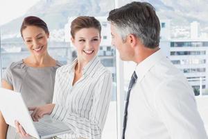 femme affaires, portable utilisation, au travail photo