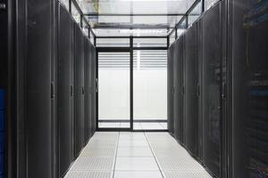 centre de données, salle de serveurs pour les entreprises. photo