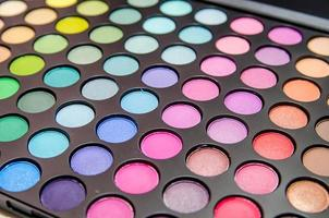 palette de fards à paupières colorés photo