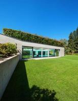 jardin avec piscine intérieure, extérieur