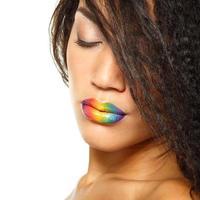 jeune femme fraîche afro-caucasienne photo