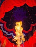 flammes dans la montgolfière
