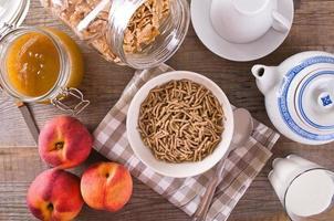 Céréales pour le petit déjeuner. photo