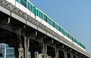 vie urbaine-métro parisien