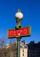 signe de métro à paris photo