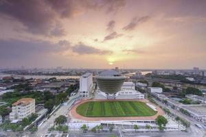terrain de soccer scolaire avec gazon photo