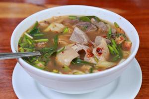 soupe de porc épicée
