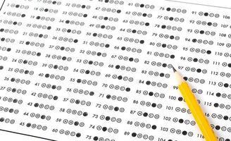 feuille de réponses optiques avec des bulles ombrées au crayon photo