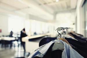 porte-vêtements de styliste photo