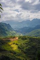 """vue sur la montagne en route depuis """"sapa vietnam"""" photo"""