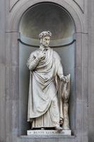 statue de dante alighieri photo