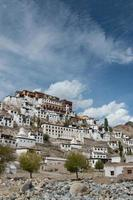 monastère de thiksey, leh ladakh photo