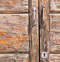t samarate laiton rouillé heurtoir brun i fermé bois lombardie photo