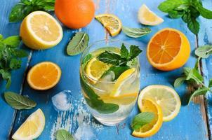 boire avec des agrumes