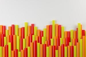 collection de pailles colorées photo