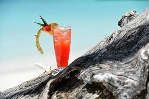 boisson sans alcool fruitée sur la plage