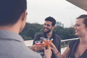 boire des cocktails photo