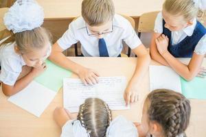 groupe, écoliers, école, classe, séance, bureau photo