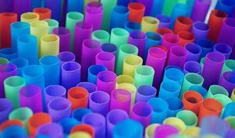 fond de pailles à boire coloré photo