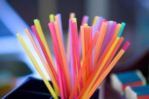 pailles, multicolores photo