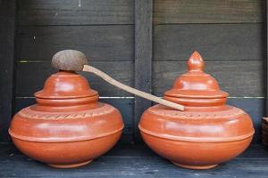 boisson de bienvenue dans un pot d'eau photo