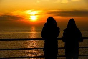 tramonto sul mare photo