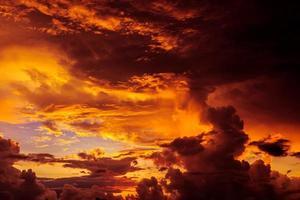 lever de soleil magique irréel photo