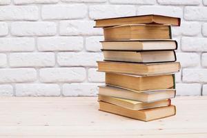 livres sur la table