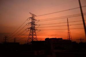 silhouette de poste d'électricité photo