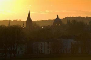 Skyline d'Oxford au coucher du soleil photo