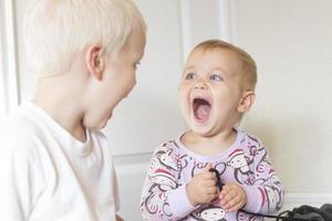 bébé surpris! photo