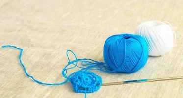 deux pelotes de laine photo