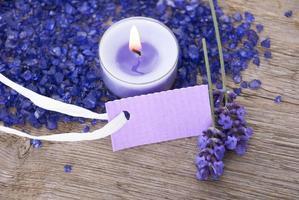 étiquette violette avec espace copie photo