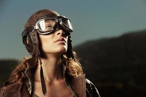 femme aviateur: portrait de mannequin photo