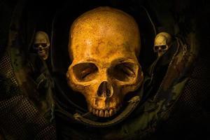 crâne de soldat nature morte photo