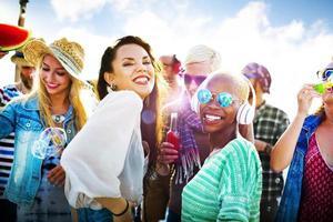 adolescents, amis, plage, fête, bonheur, concept photo