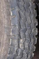 gros plan de pneu de voiture photo