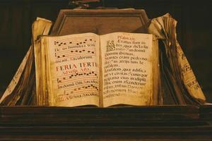 livre médiéval ancien photo