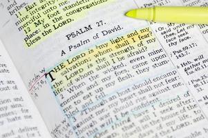 étudier la Bible photo