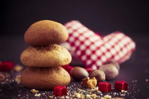 biscuits et ornements de Noël photo