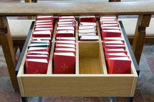bibles dans l'église