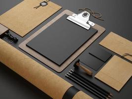 éléments d'identité sur fond de papier noir photo