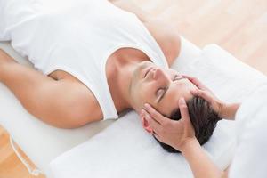 homme, réception, massage tête photo