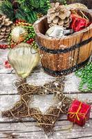 pot de cadeau de Noël avec des décorations